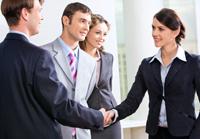 Derybų vedimas, atstovavimas Klientui valstybės, visuomeninėse, ūkinėse ir kitose institucijose bei palaikymas teisinių ryšių su kitais fiziniais ir juridiniais asmenimis